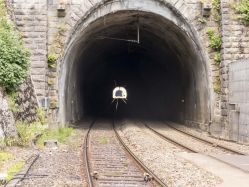 20170708-langer_Tunnel